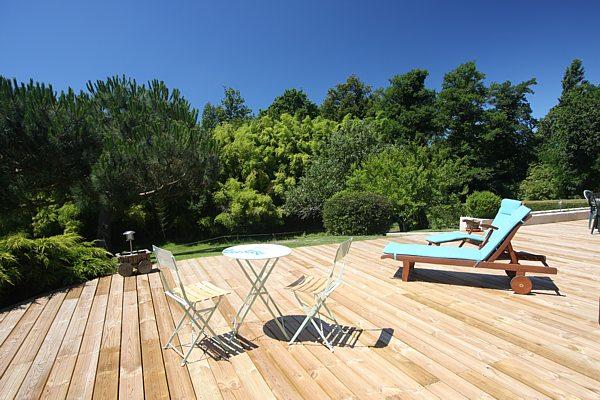 Chambre d'hotes avec terrasse et vue sur la nature