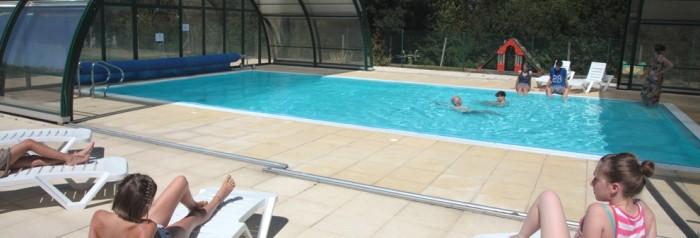 Camping avec p che en vend e for Camping puy du fou avec piscine couverte