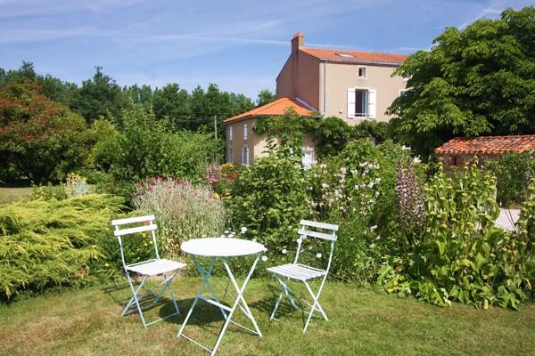 Parc et jardin des chambres d'hotes de la Bardinière