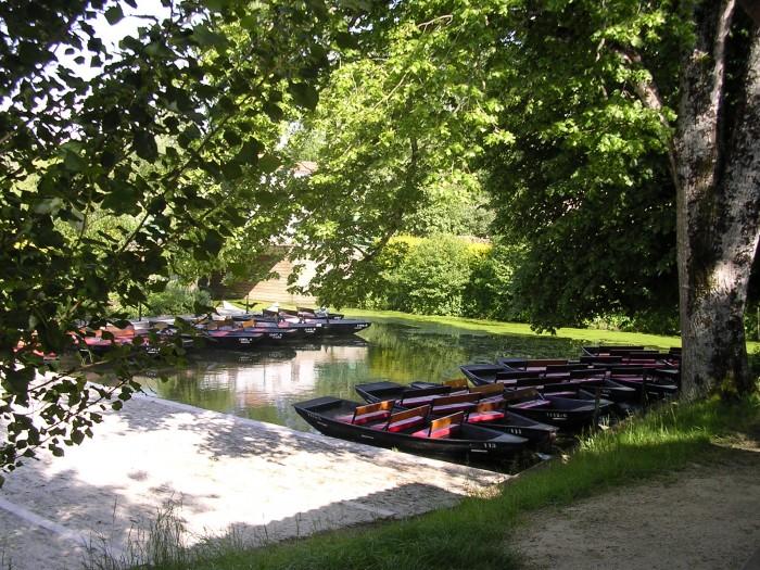 Balade en barque sur la Venise Verte en Vendée une idée de circuit touristique