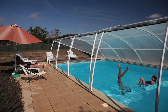 Gite de groupe capacité 14 personnes avec piscine chauffée couverte