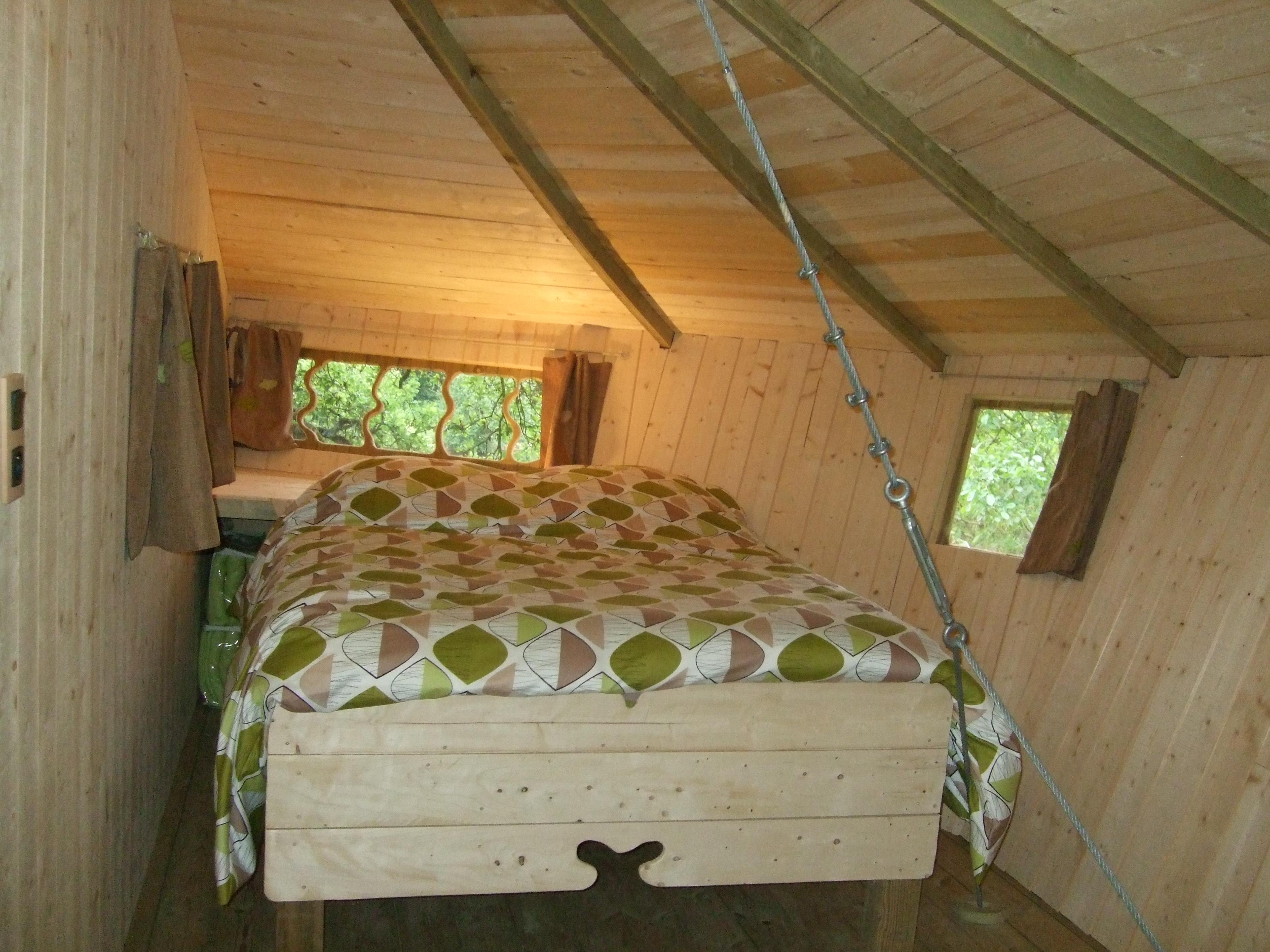 maison ou cabane dans les arbres en vend e. Black Bedroom Furniture Sets. Home Design Ideas