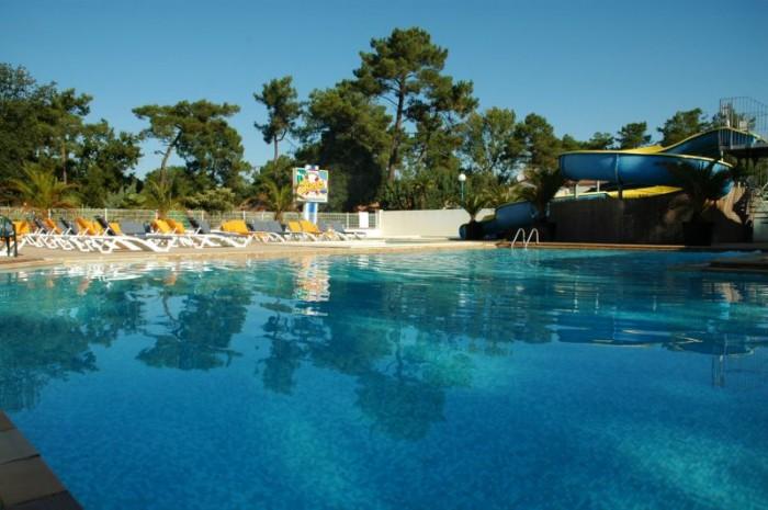 Les campings de vend e 2 2 les gites for Camping piscine vendee
