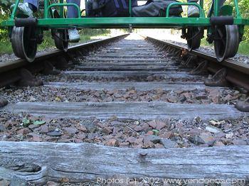 Au niveau des rails