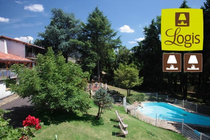 Hotel la Chaumière à Saint Laurent sur Sèvre à 10 minutes du Puy du Fou