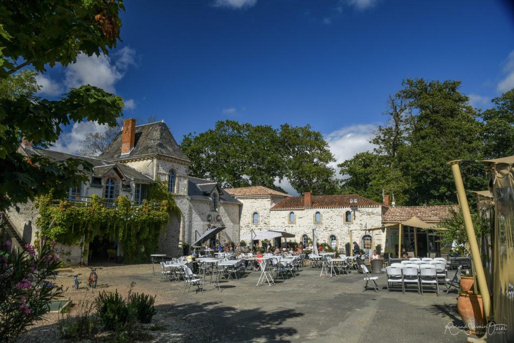 Restaurant et bar du camping Château la Forêt Yelloh Village